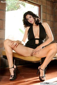 v0cekev5an3i t Deeksha Seth Nude Inserting Dildo in her Pussy [Fake]